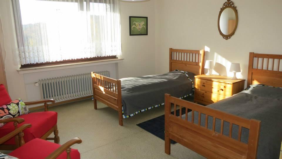 Slaapkamer Met 2 Eenpersoonsbedden.Slaapkamer Met 2 Eenpersoonsbedden Vakantiehuis Liesen